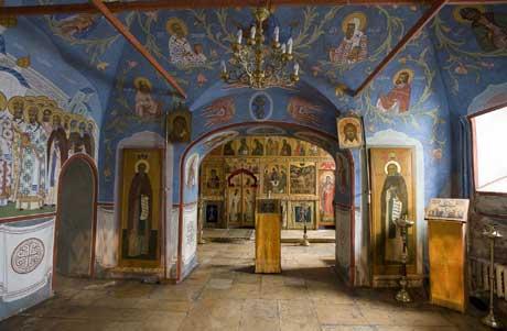 интерьер придела Всх святых, в земле Российской просиявших в нижнем храме свт Николая в Клённиках, что на Маросейке