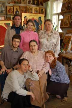 Ирина Васильевна с учениками и студентами Богословского института