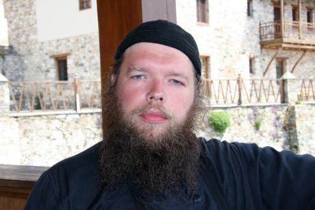 https://www.pravmir.ru/uploads/ieromonah_spiridon__balandin_460.jpg