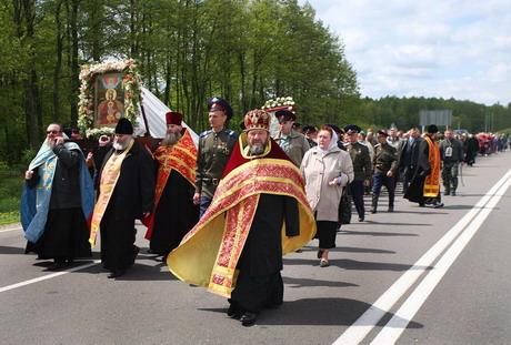 Крестный ход Афон-Одесса-Киев-Москва идёт по России