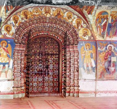 Вход в Церковь Иоанна Предтечи. Ярославль 1911г.