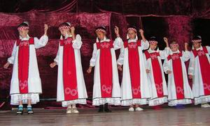 Ансамбль девочек. www.stobitel.ru