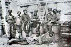 Группа заключенных карлага НКВД на химической обработке семян
