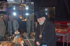 Архиепископ Верейский Евгений и протоиерей Владимир Воробьев на открытии выставки