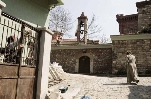 Храм Монгольской Богородицы знаменит тем, что никогда не закрывался и не переходил во власть турок