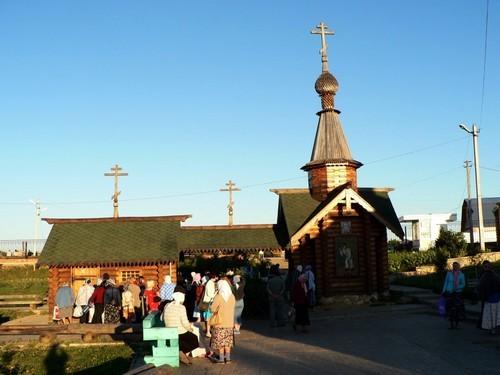 Монастырь Дивеево - паломники
