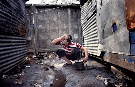 """Трущобный быт — здесь только то, что нужно для выживания Фотография: Юрий Козырев/NOOR для """"РР"""""""