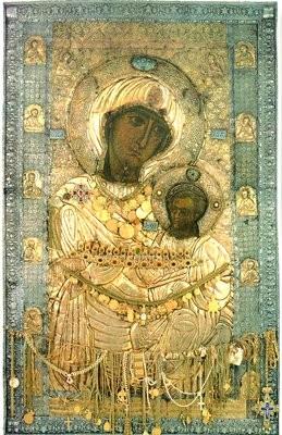 Иверская икона Божией Матери 1-я пол. XI или нач. XII в. Оклад нач. XVI в. (Иверский мон-рь на Афоне)