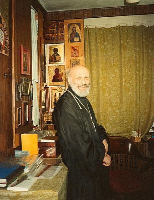 Протоиерей Глеб Каледа в домашнем кабинете. В день 70-летия