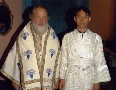 Святейший Патриарх Кирилл и диакон Даниил Ванна, первый православный священнослужитель-таец