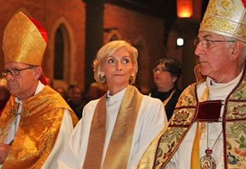 Первая женщина епископ Кейт Голсворфи