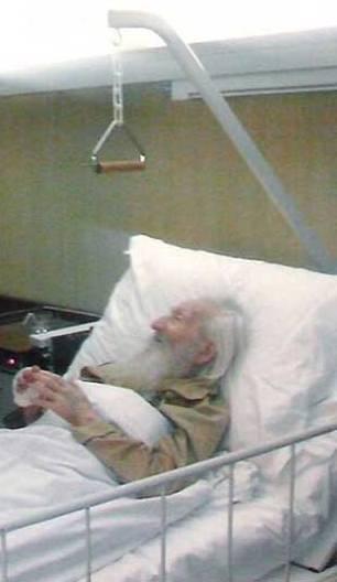 Патриарх Павел в госпитале
