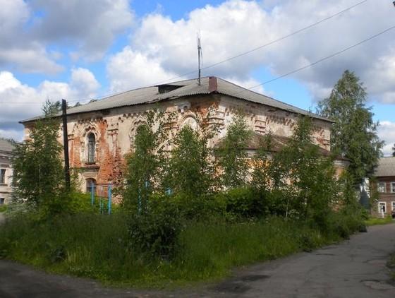 Быший главный храм обители, Введенский собор (ныне спортзал).