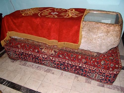 Саркофаг, в котором был похоронен святитель Иоанн Златоуст
