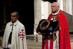 Настоятель Нотр-Дама: Часть святынь удалось спасти, в их числе Терновый венец Христа