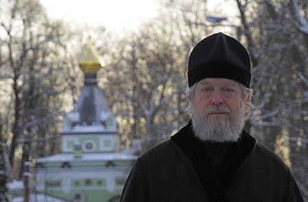 Настоятель Смоленского храма протоиерей Виктор Московский