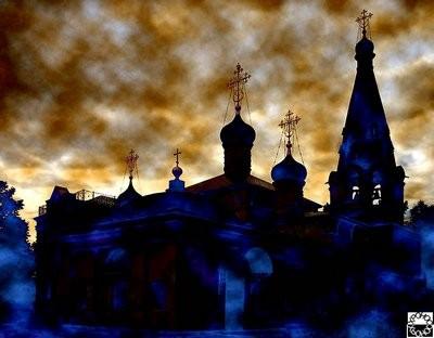 Храм Спаса Нерукотворного на берегу Клязьминского водохранилища в Долгопрудном