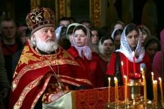 Дети из верующих семей – самая трудная проблема для священника