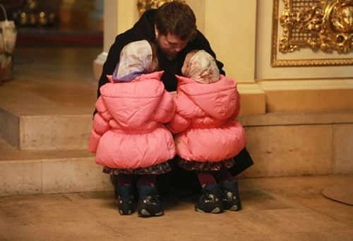Каждое воскресенье семья старается выбраться в храм