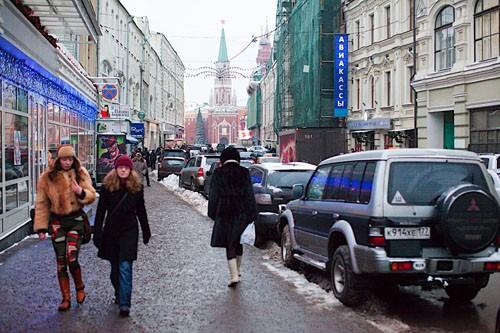 Святая дорога, ведущая из Никольских ворот Кремля в сторону Троице-Сергиевой лавры.