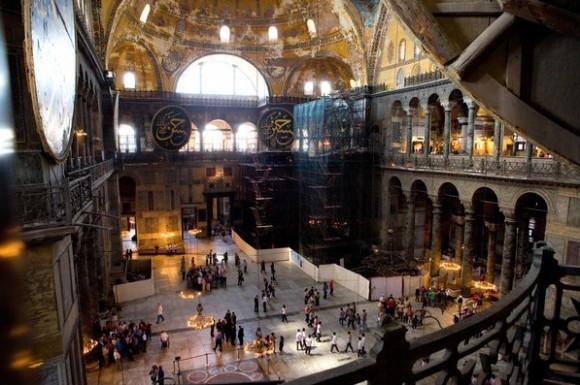 В храме Святой Софии. Фото Nytimes.com