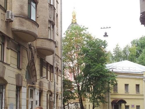 Меншикова башня-вид с Кривоколенного переулка
