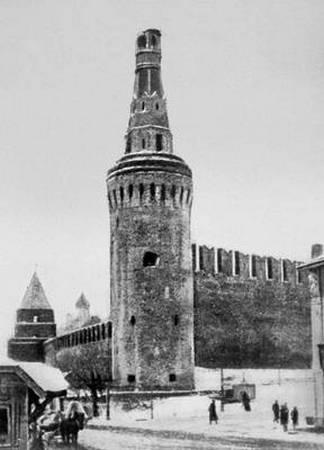 Обезглавленная Беклемишевская башня Московского Кремля