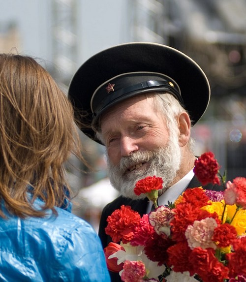 Спасибо тебе, дедушка!. Фото: Никифоров Александр photosight.ru