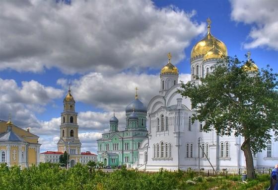 Свято-Троицкий Серафимо Дивеевский монастырь