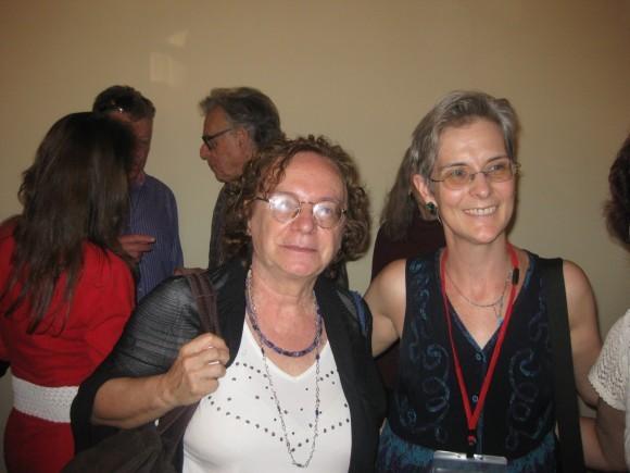 Розанна Казари (слева) и Дебора Мартинсен (справа)