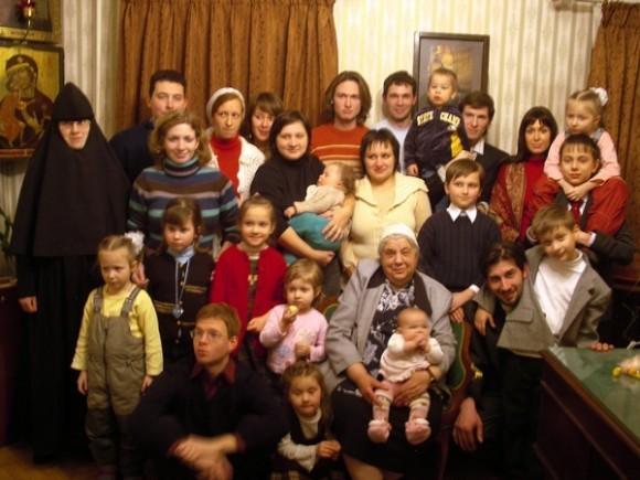 С внуками и правнуками