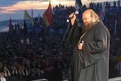 Неформалы и монах, или Евангелие на рок-концерте