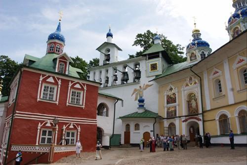 Псково-Печерский монастырь. Фото