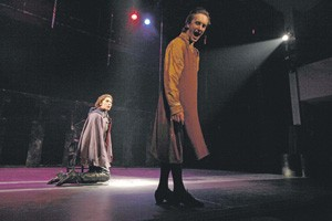 Жанна (Ирина Горбачева) и Карл (Юрий Титов). Фото Евгении Штоколовой