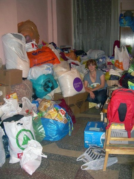 Задачка: Найдите Лизу среди вещей! В подъезде ее дома
