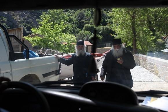 Первые встреченные старцы румынские.