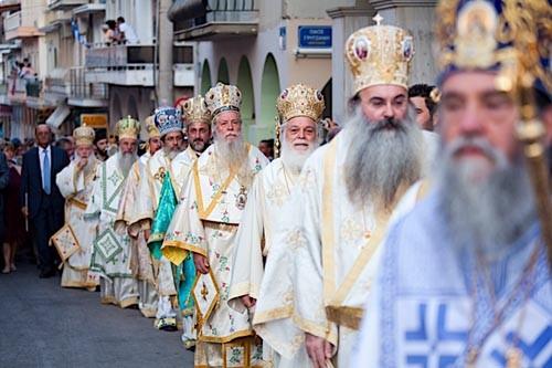 Архиереи Греческой Православной Церкви приезжают на праздник из разных стран