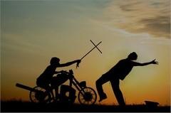 О святом кулаке, окаянной шее и христианской любви.