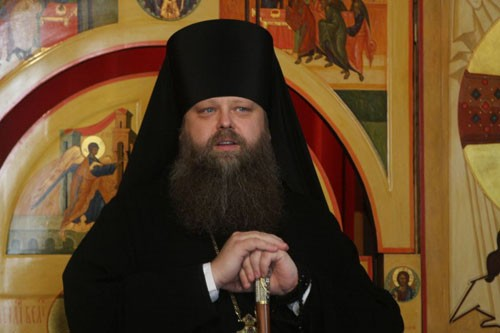 Наместник монастыря и председатель Отдела религиозного образования и катехизации Русской Православной Церкви епископ Зарайский Меркурий