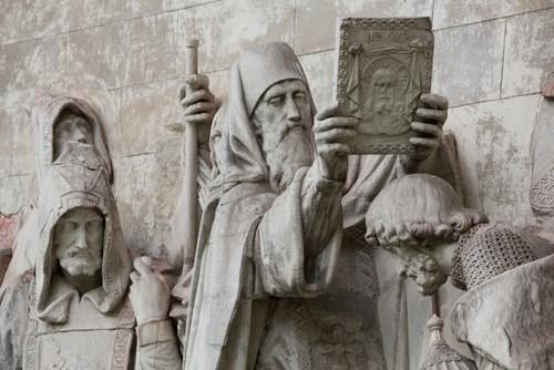Донской монастырь. Скульптуры со взорванного храма Христа Спасителя