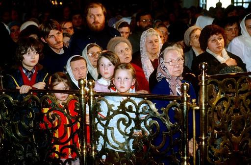 Пасха. Богоявленский Елоховский Собор. 1991 г. Фото РИА Новости