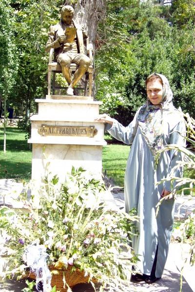 В Иране у памятника А.С. Грибоедову
