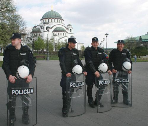 """""""Парад гордости"""" охраняли более пяти тысяч полицейских."""