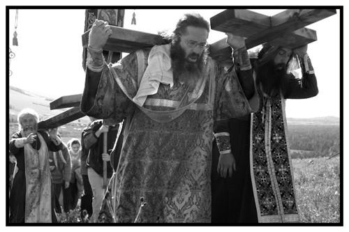 """Фото диакона Андрея Радкевича. Уже напервой, """"пробной"""", выставке христианскому искусству кураторы задали очень высокую планку, возможно, именно это предопределило дальнейший успех """"Феофании"""""""