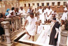 Отец Фемистокл из Африки: Путь из рокеров-атеистов в священники
