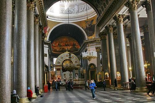 Центральный неф Казанского собора