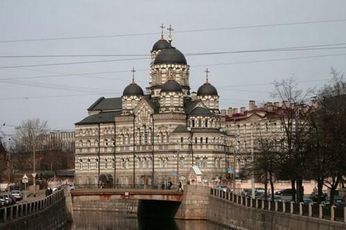 Свято-Иоанновский женский монастырь на Крповке был основан св. прав. Иоанном Кронштадским в начале ХХ века и назван в честь небесного покровителя батюшки – св. Иоанна Рыльского