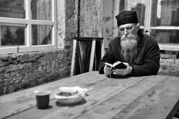 """""""Не хлебом единым жив человек..."""" Источник: orthphoto.net"""