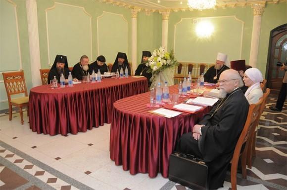 заседании комиссии Межсоборного присутствия Русской Православной Церкви по вопросам противодействия церковным расколам и их преодоления
