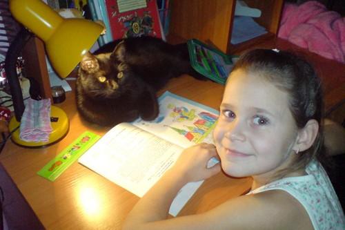 Как так организовать наших ребят, чтобы они делали уроки днем, а не перед приходом родителей